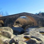Puente viejo de Cabacés: puente medieval del siglo XIV en el área del Priorat