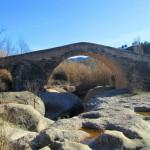 Pont vell de Cabacés: pont medieval del segle XIV a l'àrea del Priorat